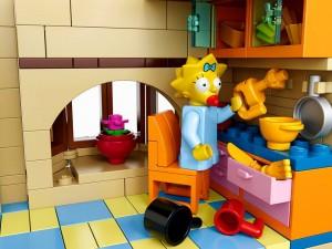 Lego Simpsons set 7106 Maggy cuisine